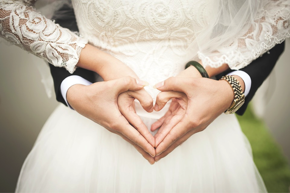 The Pros And Cons Of Getting Married