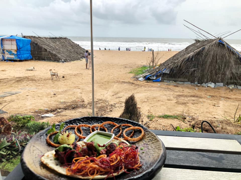 Lunch Scenes By The Sea At Toy Beach Club, Goa